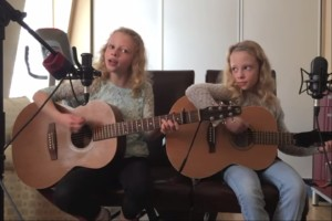 Abby & Sarah covern I'm Yours von Jason Mraz
