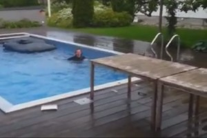 Ab in den Pool – FAIL