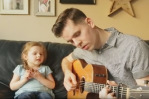 Tochter singt mit Papa - You've Got a Friend In Me