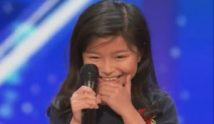 "Celine Tam singt ""My Heart Will Go On"" – America's Got Talent 2017"