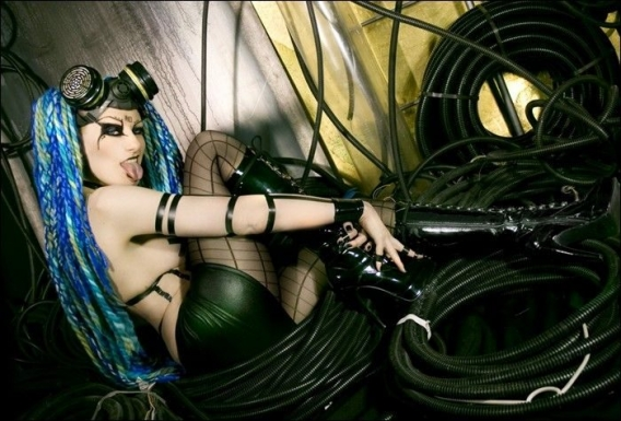 Cybergoth Girls_18.jpg