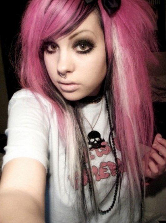 Hot EMO Girls_03.jpg