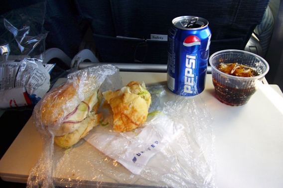 The U.S. airline United Airlines Economy Class route of Oahu, Hawaii - San Francisco.jpg