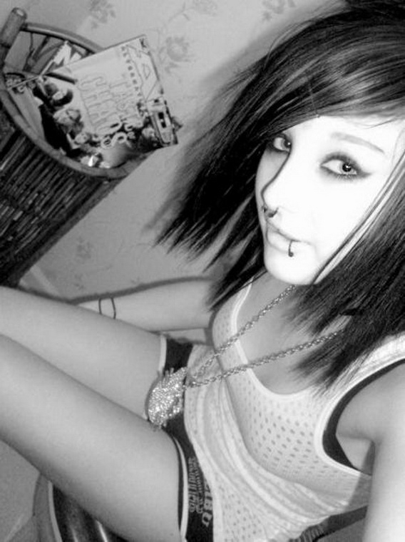 Sweet EMO Girls 102_008.jpg